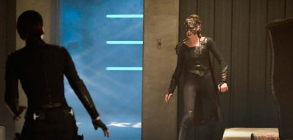 Supergirl Season 3, Episode 18 – Shelter From The Storm